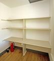 Closet_shelves_1764_dm_jpg_42010-22